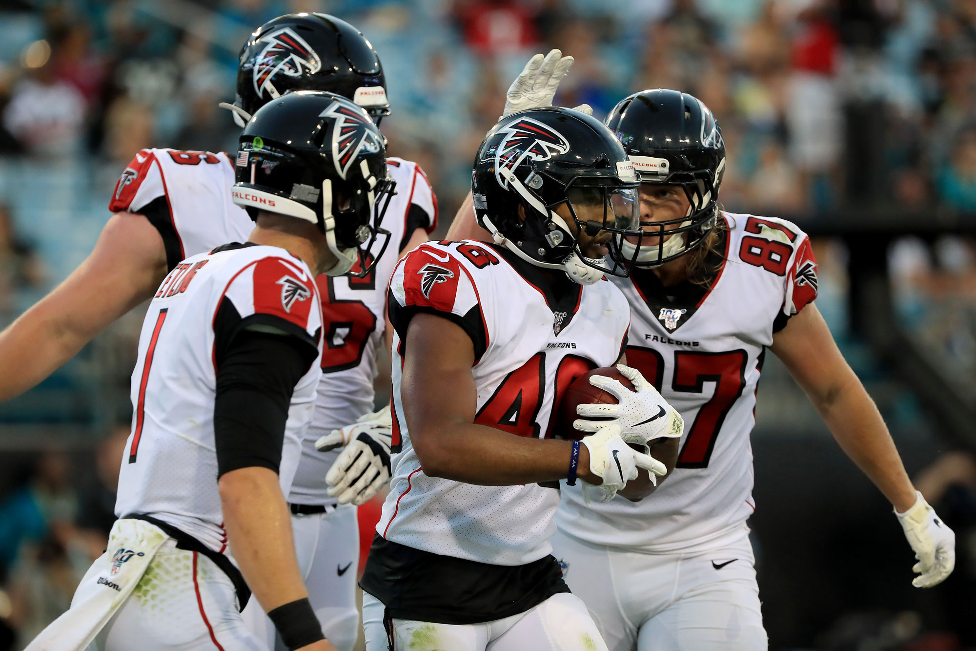 Tony Brooks-James des Atlanta Falcons célèbre un touchdown face aux Jaguars de Jacksonville